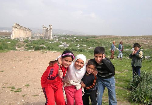 09アパメア遺跡で出会った子供たち