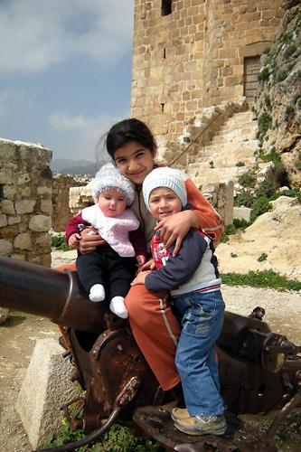 09ミスヤフ城で出会った子供たち