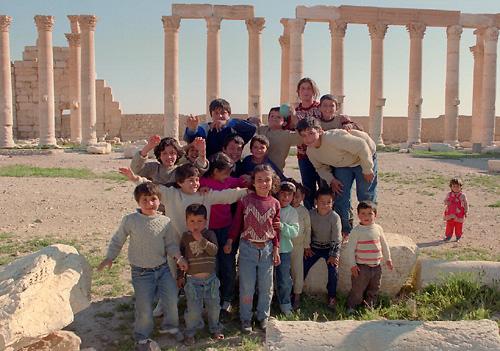 199003パルミラ遺跡で出会った子供たち