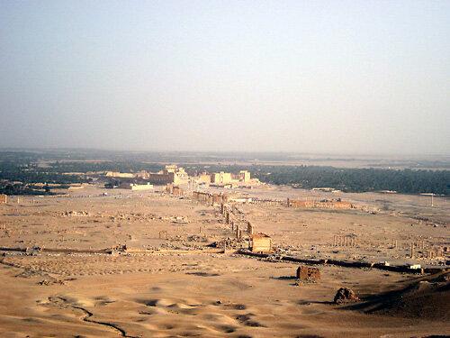 アラブ城から望むパルミラ遺跡001