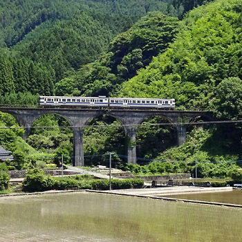 201705筑前岩屋駅あたりの通称めがね橋