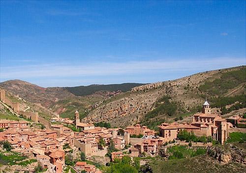 スペインンの美しい村アルバラシン01